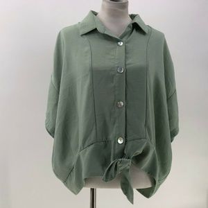 mittoshop top sz L Large sage green button tie